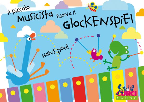 Il piccolo musicista suona il glockenspiel